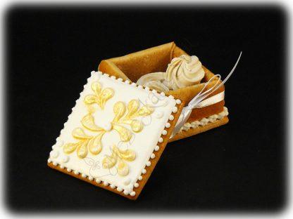 Karácsonyi mézeskalács ékszerdobozka csillogó aranyszínű hópehely dísszel